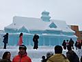 大きな氷像